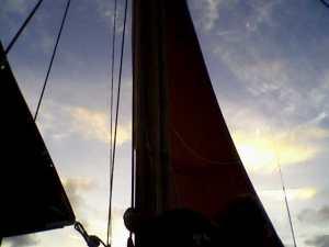 Hōkūleʻa sails